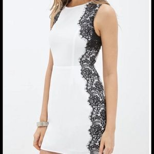 Forever 21 classic black and white lace detail M